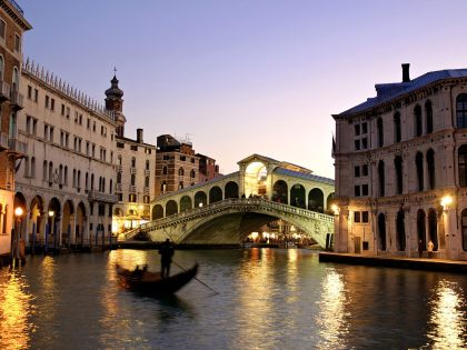 rialto-bridge-grand-canal-venice-italy